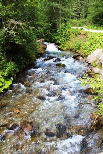 spre cascada 7 izvoare