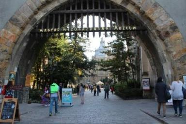 Intrare Castel Vajdahunyad